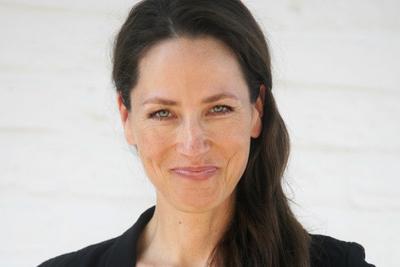 Dr. Simone Becker