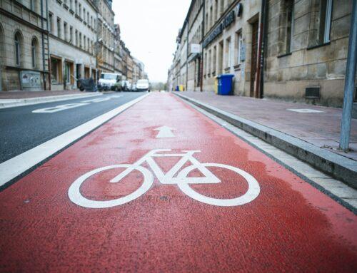 Auto und Fahrrad als Mobilitätsmaschinen im Vergleich